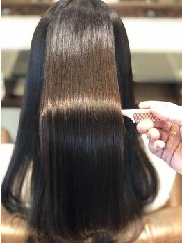 マウロア ヘアーサロン(Mauloa hair salon)の写真/【Aujuaソムリエが在籍】人気ヘアケアを知り尽くしたスペシャリストが、あなたの理想の髪を叶えます!