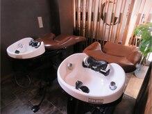 ヘアーメイクシェリ(hair make cheri)の雰囲気(フルフラットのシャンプー台で極上の癒しを提供いたします。)