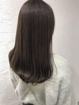 クエット デ プレジール イースタイル(COUETTE des PLAISIR e-style)の写真/くせ毛・うねりで悩んでいる方に!!頑固な髪質にもクセを抑えるだけでなく自然に活かす提案も◎