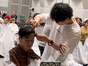 ユニーク(UniQ)の写真/[全日本理美容選手権大会優勝経験有]その他多数のコンテストでも受賞♪圧倒的なカラー技術を持った実力派*