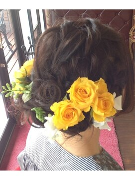 結婚式・結婚式の二次会におすすめの髪型・セルフでもできる簡単な髪型