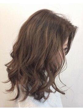 ロイ ヘアルーム 草加店(Roy hairroom)ウェーブヘア