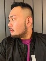 サンディーズ バーバーショップ(SUNDYS BARBERSHOP)ワイルドアップバング サイドパートショート フェード 短髪