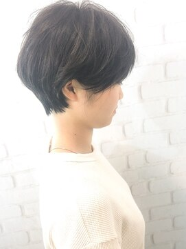 ラウンジ モリオ イケブクロ(Lounge MORIO Ikebukuro)【morio池袋】大人可愛い黒髪前下がりショート小顔カット