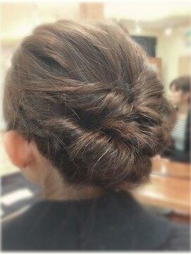 【長さ別】浴衣に似合うおすすめの髪型|簡単/くるりんぱ/編み込み