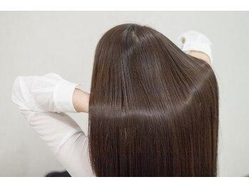 """アルシュ サイト(ARCHE saito)の写真/【マイクロスコープで頭皮・毛髪診断】今日の状態に合わせて選べる""""豊富なケアメニュー""""でウルツヤ髪へ♪"""