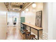 ピズム(PISM)の雰囲気(バウハウス、インダストリアル家具で、機能美なインテリア!)