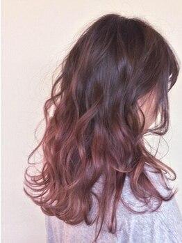 ピーナ 大久保店(Pina)の写真/アルカリカラーで髪にも頭皮にも優しく、おしゃれ染め☆パッと華やぐ白髪染め&白髪ぼかしもオススメです!