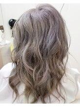 イッツヘアー(IT'S HAIR)ホワイトシルバー