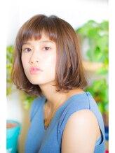 フェムアーツ(femme arts)パッツン前髪×ワンレンボブ