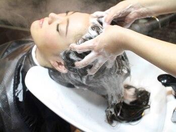"""タクミカルム TAKUMI CALMEの写真/ヘッドスパ個室&業界で超有名な""""YUMEシャン""""完備☆溜まったお疲れやストレスを癒す、至福の時間をご提供♪"""