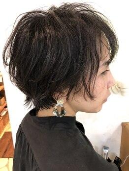 ルーツヘアーガーデン(Roots hair garden)の写真/《360°美フォルムStyleに》顔の形や骨格、髪質に合わせ施術。理想をカタチにするプロ技術で大人可愛く…♪