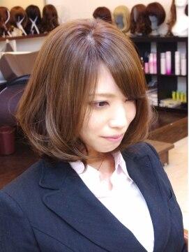 【年齢別】ミディアムボブのヘアアレンジ・巻き方・まとめ髪