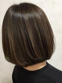 ヘアースタジオ ドゥドゥ(Hair Studio DoDo)の写真/【いつもの白髪染めをワンランクアップ☆】髪に優しいカラー剤で、いつまでも美しく品のある髪をキープ♪