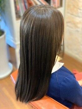 サロン ド ラクサージュ(salon de Luxage)の写真/広がり、うねりを解消し、潤いやツヤで理想の髪質を実現!髪質改善TRも使用し、より一層の艶髪を叶えます♪