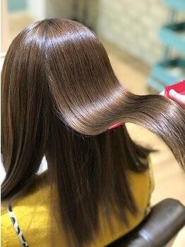 ヘアーアンドスパ フラップス(FLAPS)の写真/髪質改善トリートメントで驚きのダメージ補修効果が!自然な艶・毛先までしっとりした滑らかな手触りに♪