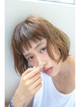 ビッケ(Vicke)【Vicke渋谷】眉上バングが可愛い☆エフォートレスカールボブ