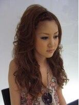 ヘアーメイク カリユ(HAIR MAKE kariyu)あみこみをプラスしたグラマラスウェーブスタイル