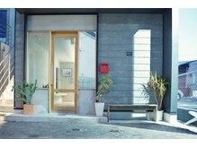 エミイ 鎌倉(eMii.)の雰囲気(新築のテナントの1階です。鎌倉駅西口徒歩2分)