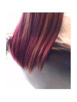 ヘアデザイン ダブル(hair design Double)光加減で色味が変わるデザインカラー