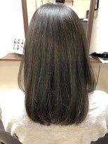 リリアンドミーヘアー(Lyri & Mii hair)うる艶ストレート