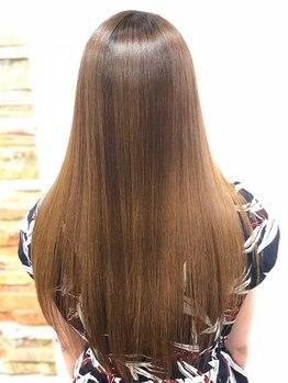 デュース 東口店(Douce)の写真/くせはしっかり伸ばしたい!でも傷むのは嫌…そんな悩みの方必見!「Habeas《ハービス》」で健康的な美髪に☆