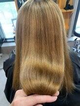 低ダメージでまとまり髪が手に入る☆髪質改善酸性ストレート☆