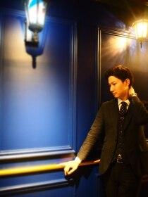 ビーユナイテッドギンザ(B-united Ginza)深夜のピアノジャズ、シングルモルトはロックver.<理容室>