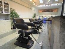 アキラサトウ美容室(AKIRA SATO)の雰囲気(明るく開放的な店内☆ふらっと立ち寄りたくなるサロンです♪)
