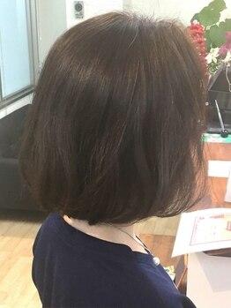 トリニティ ヘアー デザイン(TRiNiTy HAIR DESIGN)の写真/寄り添ったカウンセリングでベストカラーをご提案!気になる白髪もカバーして洗練された大人スタイルへ♪