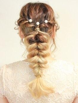 ヘアーサロン スタイルリミックス(Hair Salon Styleremix)の写真/≪東バイパス沿い≫結婚式や二次会の着付・セットもお任せ★マリーグレイスの参列客にも人気の好立地が◎