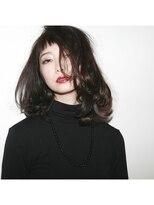 サロン ヴィ(Salon V)暗髪×ショートバング