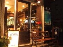 ヘアースペース オップス(Hair Space CO OPUS)の雰囲気(手作りの看板とベンチが目印のお店です☆)