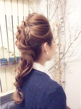 結婚式の髪型(ヘアアレンジ) ルーズミックス編み込みヘアー