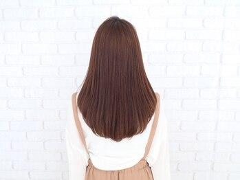 ルアナ(LUANA)の写真/感動の艶感と手触りを叶える髪質改善《N.トリートメント》導入!サラサラ柔らかな指通りに思わずウットリ。