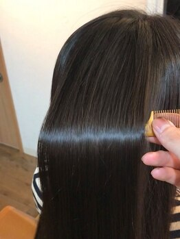 """テッコ(tecco.)の写真/【美しさはもちろん、これからのために""""強い髪をつくる""""】頑固なクセ毛やうねりも見違えるほど綺麗に♪"""