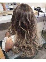 ヘアスタジオ マテリアル(hair studio Material)プルエクステ、外国人風color