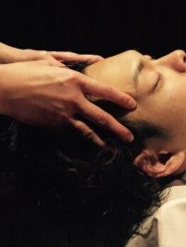 バーバーカズ(barberKAZU)の写真/《三越前NEWOPEN★》極上のヘッドスパで普段の疲れをリセットする上質なサロンタイムを【三越前徒歩30秒】