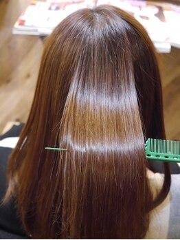 シャイニー ヘアー ダイス(SHINY HAIR DaiCe)の写真/≪感動のうるツヤ髪に♪≫サロンオリジナル髪質改善トリートメントによってダメージを抑え、まとまる素髪へ