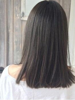 ランププラス(Lamp+)の写真/うねりや広がりが気になる方に◎一人ひとりの髪状態を見極め薬剤選定!!毛先までするんと柔らかな質感に♪