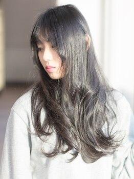 ロジェ 麻生店 ROGERの写真/美髪を叶えるためにお客様一人一人に合わせたトリートメントで、触りたくなる潤ツヤ髪に♪