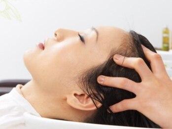 ケーキル(Ke:KiL)の写真/美髪は《頭皮改善から》ー女性オーナーによるマンツーマン施術が人気!フルフラットシートで贅沢マッサージ