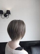 エヌヘアーアーチザン(n hair artisan)ショートスタイル オリーブグレイ