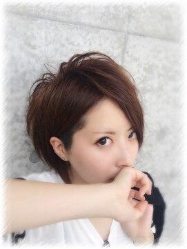 男女別】V系のおすすめ髪型一覧|カット/黒髪/サイド/ウルフ