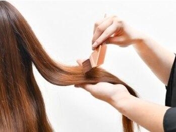 ヘアメディカルサロン(HAIR MEDICAL SALON)の写真/《カラー(リタッチ)¥3,240~》髪や頭皮を傷めない『オーガニックカラー』と『ヘナカラー』を使用。