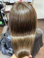 ヘアケアサロン シェーン(hair care salon Schon)ベージュグレーとやばやばトリートメントでツヤツヤカラー