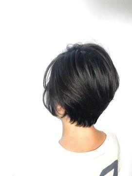 ロッソ 逗子銀座店(ROSSO Zushi-Ginza)【顔周りのハイライト×カット】で簡単イメージチェンジ♪