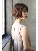 エフ ヘアーアンドリラクゼーション(F. hair & relaxation)【F.】ショートボブ