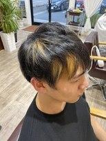 ハイライトデザインポイントカラーショートヘア