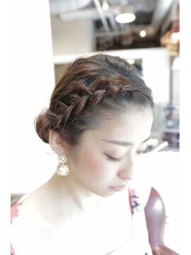結婚式の髪型(ヘアアレンジ)  大人ロールアップ